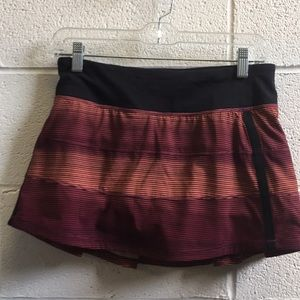 Lululemon black, plum & coral skirt sz 6 58804